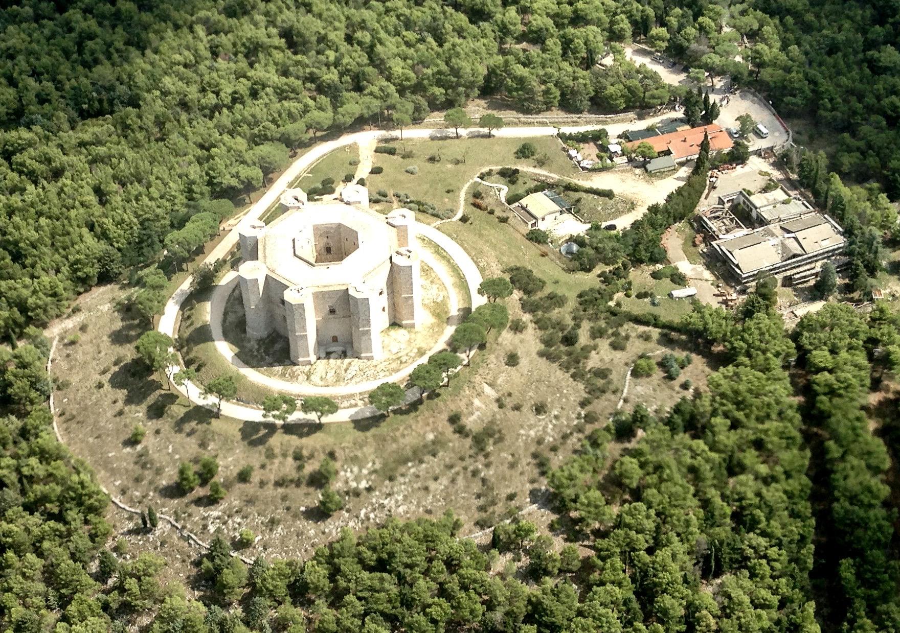 Архитектура замка Кастель дель Монте